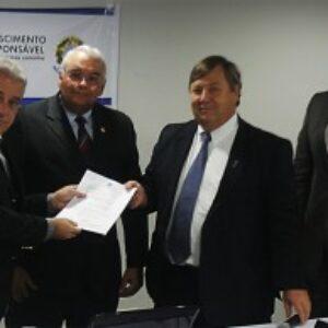 Deputado Augusto Coutinho fala sobre a Frente Parlamentar da Engenharia no I SINE
