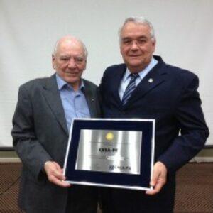 José Mário recebe homenagem em nome do Crea-PA pelos 80 anos de criação do Conselho
