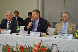 O Presidente do Crea-PE, José Mário Cavalcanti; presidente do Confea, Júlio Fialkoski, e presidente do Crea-SE e coordenador do Colégio de Presidentes, Jorge Roberto Silveira presentes à reunião do CP