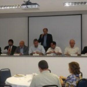 Candidatos à presidência do Crea-PE debatem propostas para triênio 2015/2017