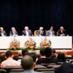 Homenagens e despedidas marcam a última sessão plenária solene do Crea-PE
