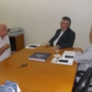 Presidente do Senge-PE faz visita de cortesia a Evandro Alencar