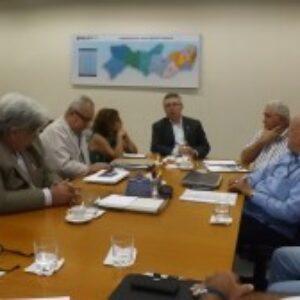 AGP entrega documento com reivindicações ao presidente do Crea-PE