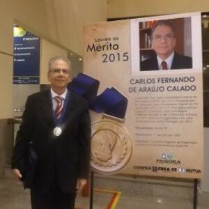 Carlos Calado é recebido pelo presidente Evandro Alencar no stand do Crea-PE na Soea