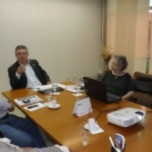 Presidente do Crea-PE recebe representantes da Poli para discutir curso de Gestão das Cidades