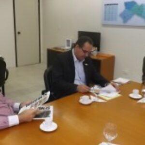 Evandro recebe visita de cortesia do presidente do Sindusgesso-PE