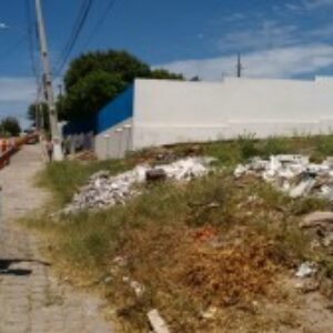 Presidente analisa terreno em que será construída sede da Inspetoria de Araripina