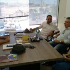 Em Salgueiro, presidente do Crea-PE visita terreno que poderá abrigar a sede própria da inspetoria do Conselho, no município