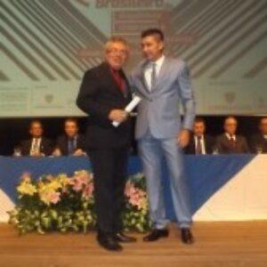 Evandro Alencar é homenageado em abertura de Congresso da Uninassau