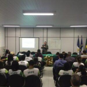 Evandro ministra palestra para estudantes do IFPE de Afogados da Ingazeira