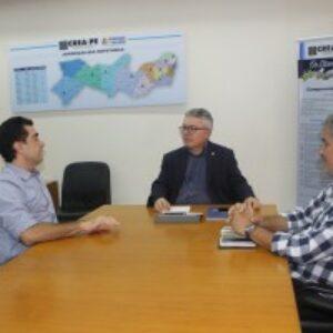 Evandro Alencar recebe prefeito eleito de Araripina