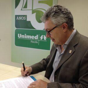 CREA-PE e UNIMED firmam parceria para viabilizar planos de saúde e odontológicos aos profissionais e seus familiares