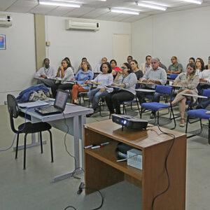 Representante do CREA-PE faz palestra para engenheiros do Itep