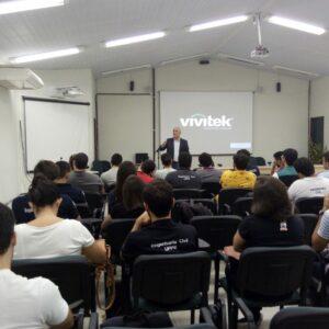 Gerente de Fiscalização do CREA-PE faz palestra para alunos do Campus da UFPE em Caruaru