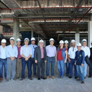 Presidente e técnicos do CREA-PE visitam as obras do Shopping Patteo Olinda