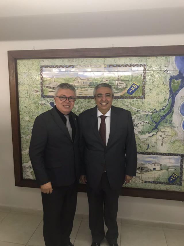 Read more about the article Evandro Alencar comparece à cerimônia de posse do novo presidente do CREA-PB