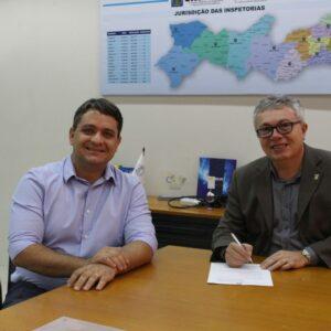 CREA-PE renova parceria com IPOG