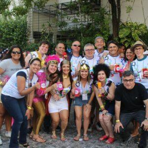 Bloco CREAtivos anima foliões no Carnaval