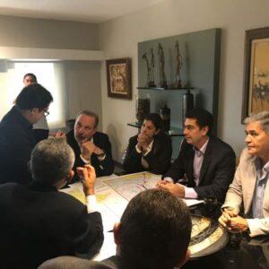 Senador Armando Monteiro recebe a comissão em prol das estradas do Araripe