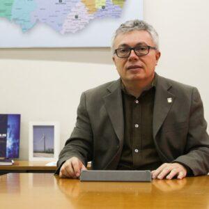 Presidente Evandro Alencar retoma atividades no CREA-PE