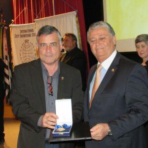 Fernando Lapenda é homenageado pelo Instituto Brasileiro de Engenharia de Custosem São Paulo