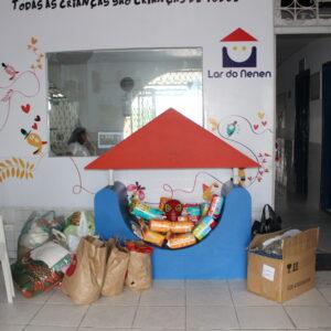 Crea-PE entrega donativos arrecadados para O Lar do Nenen