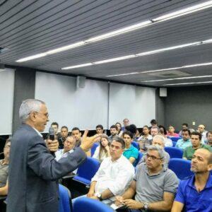 José do Patrocínio Figuerôa faz palestra no Terça no Crea