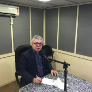 Evandro Alencar concede entrevistas à rádios de Garanhuns e fala das ações e programas do Conselho