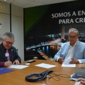 Reafirmando a parceria, Celpe e Crea-PE assinam Termo de Cooperação Técnica