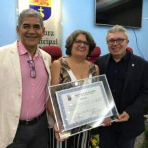 Diretora do Crea-PE, Hilda Wanderley, recebe comenda da Câmara Municipal de Olinda