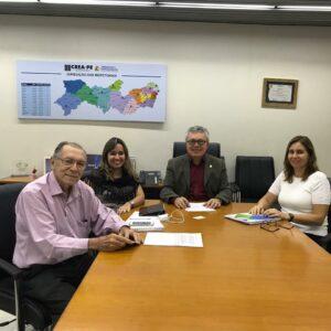 Presidente Evandro Alencar recebe secretária Executiva de Recursos Hídricos